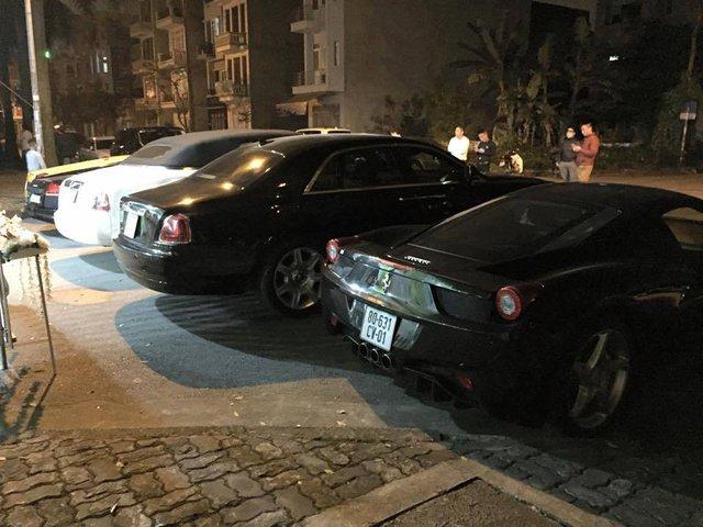Trong đó biển kiểm soát CV được cấp cho xe của các nhân viên hành chính kỹ thuật mang chứng minh thư công vụ của các cơ quan đại diện ngoại giao, cơ quan lãnh sự, tổ chức quốc tế. Con số 631 trên biển kiểm soát của chiếc Ferrari 458 Italia đại diện cho Triều Tiên.