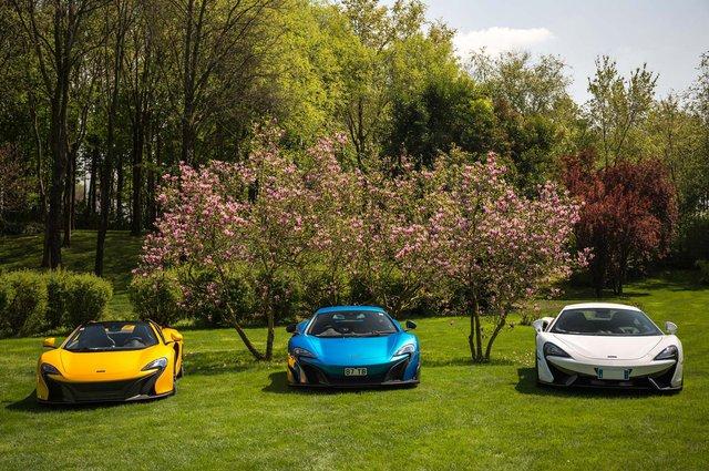 Bộ 3 siêu xe của McLaren trong các màu sắc khác nhau.
