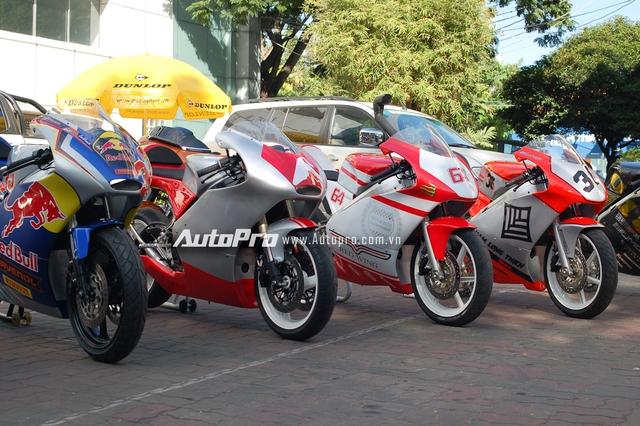 Bên cạnh dàn xe phân khối lớn của các biker Việt, ban quản lý HappyLand còn cho trưng bày những mẫu xe sẽ được sử dụng trong trường đua sắp tới.