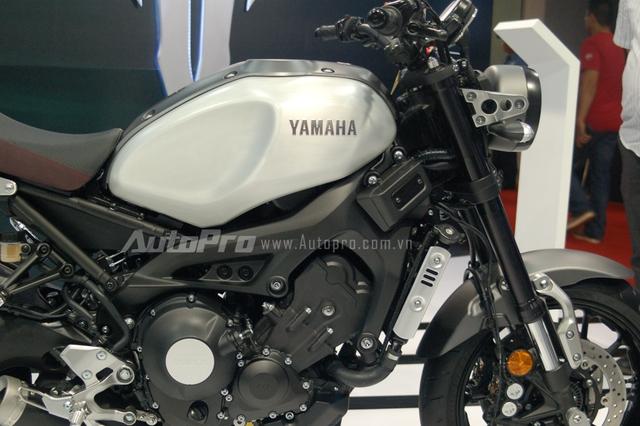 Bộ khung và động cơ của xe được thừa hưởng từ chiếc Yamaha MT-09.
