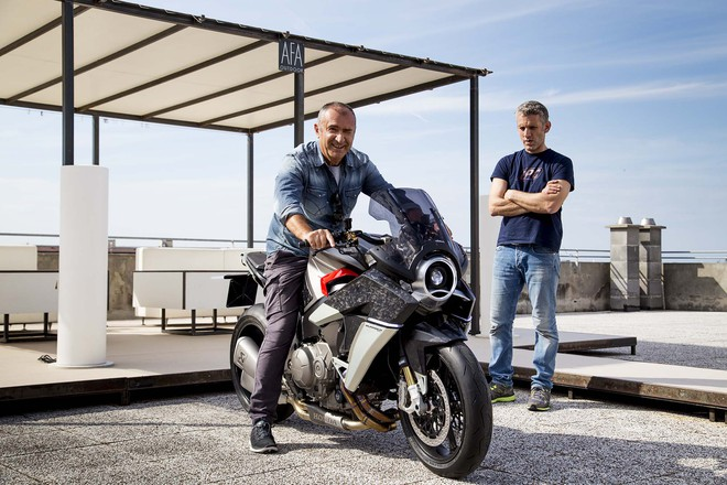 Chiếc mô tô ý tưởng của Drudi được gọi bằng cái tên Burasca 1200. Trong tiếng Ý, Burasca vốn có nghĩa là cơn bão. Đây có vẻ là cái tên phù hợp cho sự lột xác của Honda VFR1200F.