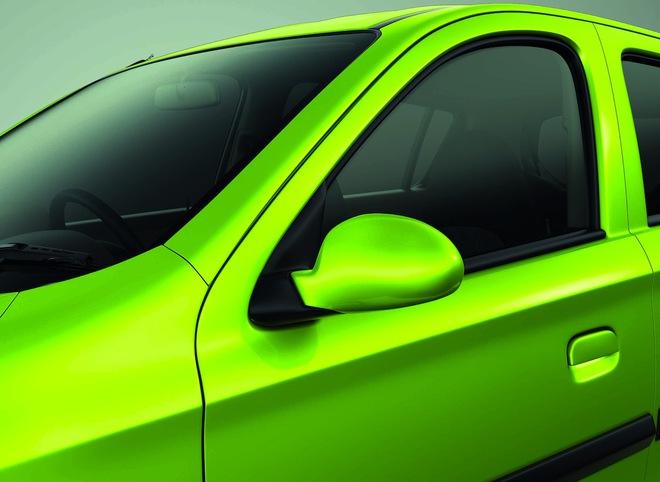 Suzuki Alto 800 2016 màu xanh cốm Mojito Green.