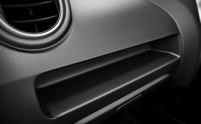 Bảng táp-lô của Suzuki Alto 800 2016