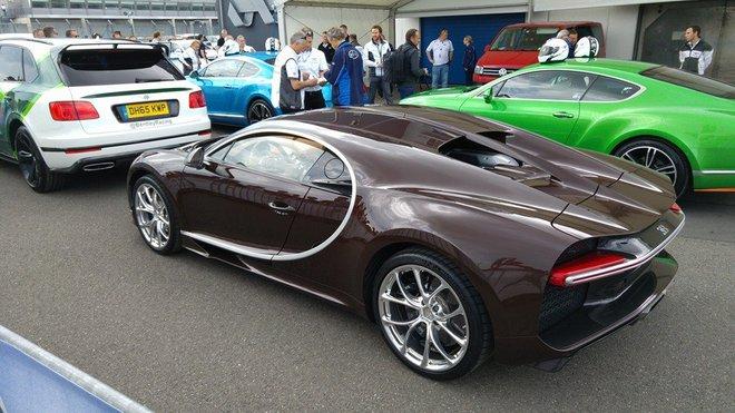 Bugatti Chiron màu độc xuất hiện tại giải đua Nurburgring 24 hour. Ảnh: Crew.