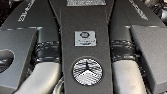 Mercedes-Benz G63 AMG sử dụng động cơ V8, tăng áp kép, dung tích 5,5 lít, sản sinh công suất tối đa 544 mã lực và mô-men xoắn cực đại 760 Nm.