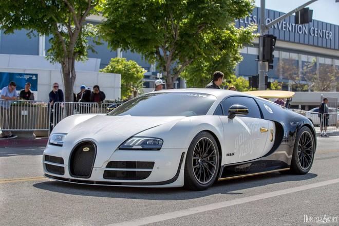 Không khó để bắt gặp những siêu xe triệu USD như Bugatti Veyron xuất hiện trong ngày hội này.