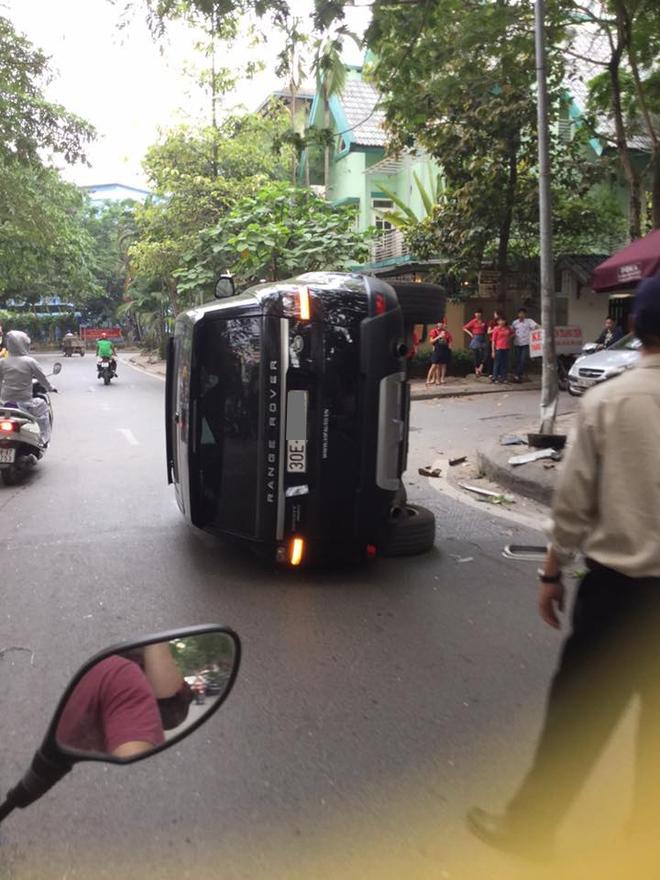 Tại thị trường Việt Nam, Range Rover Sport có giá bán từ 4,5 tỷ Đồng khi ra mắt vào năm 2014.