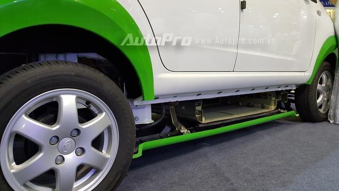 Theo chia sẻ của đại diện hãng xe đến từ Trung Quốc, mẫu ô tô điện này có thể lăn bánh quãng đường 150 km khi sạc đầy pin.