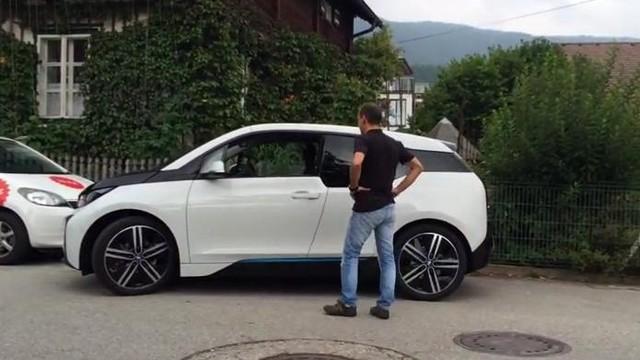 BMW i3 tự động đỗ xe chỉ với 1.000 USD