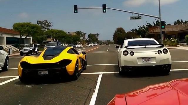 """Nissan GT-R độ: McLaren P1 không có """"cửa"""""""