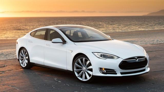"""""""Hacker"""" Trung Quốc hack thành công Tesla Model S"""