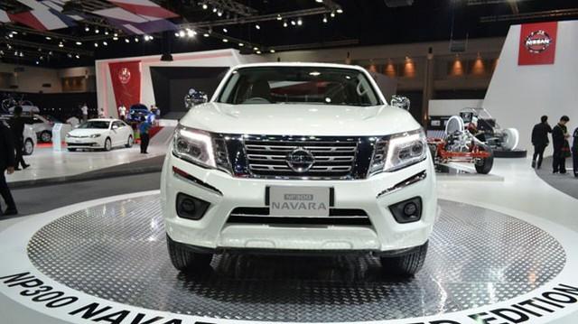 Xe bán tải Nissan Navara ấn tượng hơn trình làng