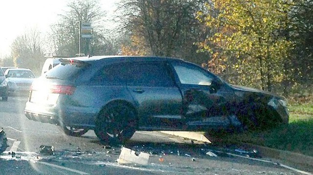 Hình ảnh Audi RS6 tan nát trong tai nạn khiến bố con David Beckham run rẩy