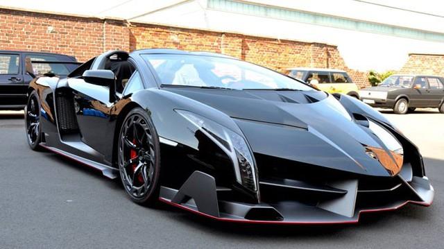 Siêu xe Lamborghini Veneno Roadster đầu tiên đến tay khách hàng