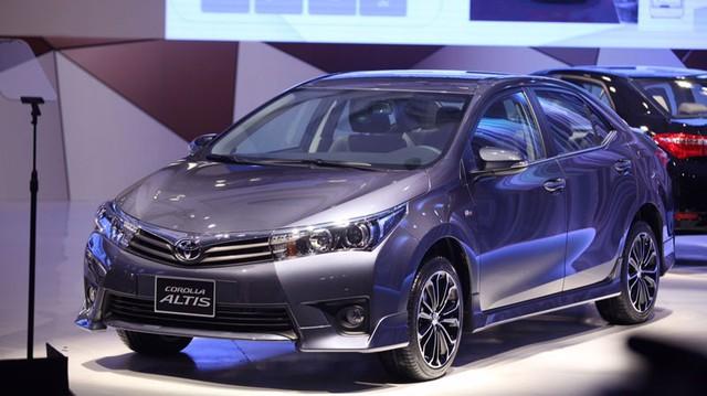Toyota Corolla Altis 2.0 có làm khó Camry 2.0?
