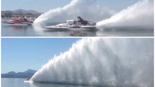 Thuyền siêu tốc rẽ sóng cực kỳ ngoạn mục