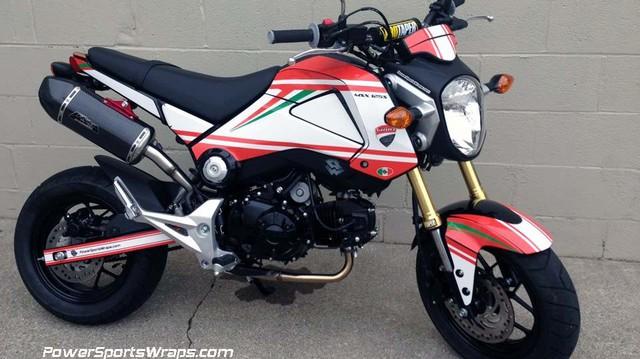"""Gã tí hon Honda MSX125 """"lột xác"""" thành quái vật Ducati Monster"""