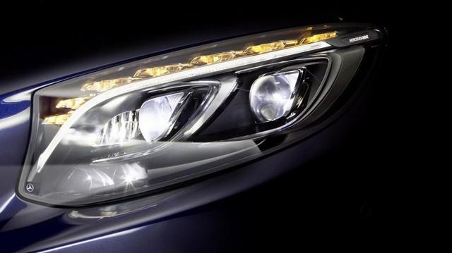 Mercedes-Benz khoe đèn pha LED công nghệ mới