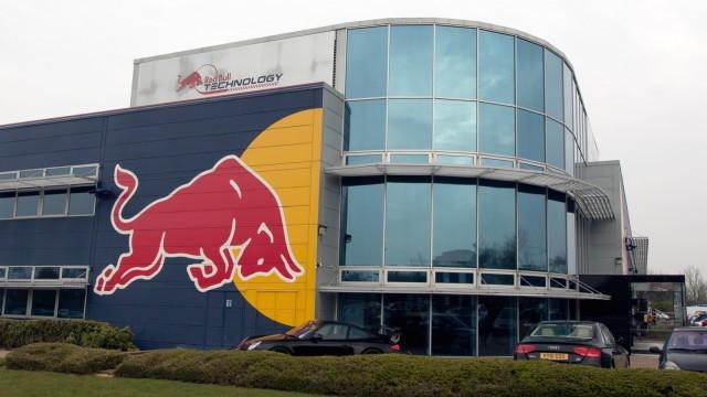 Đội đua Công thức 1 Red Bull Racing bị mất trộm cúp vô địch