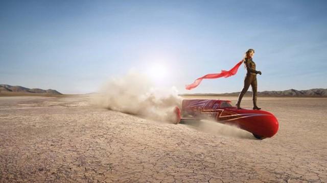 Gặp gỡ nữ biker phát minh ra chiếc mô tô nhanh nhất thế giới