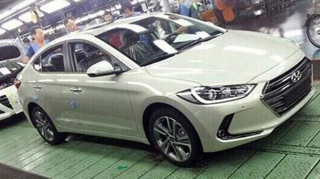 """Hyundai Avante 2016 lộ diện """"bằng xương bằng thịt"""", giống Genesis Sedan"""