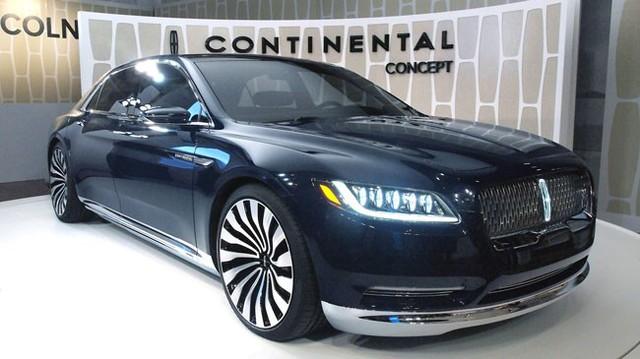 """Vừa trình làng, Lincoln Continental đã bị tố """"nhái"""" xe Bentley"""