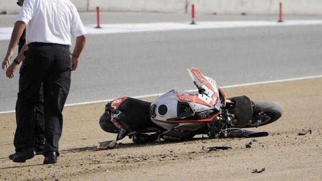 Hai tay lái tử vong trong tai nạn 200 km/h trên đường đua mô tô