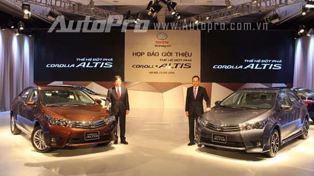 Vì sao xe Toyota đắt, ít công nghệ mà luôn bán chạy?