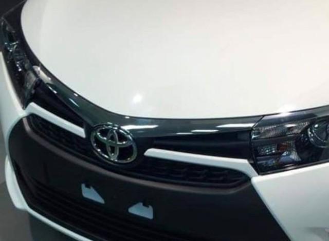 """Toyota Corolla phiên bản nâng cấp xuất hiện """"trần trụi"""""""
