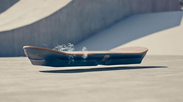 Lexus tung ra ván trượt bay như trong phim viễn tưởng