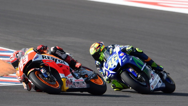 """Chặng 3 MotoGP 2015: Rossi về nhất, Marquez """"ngã ngựa"""""""