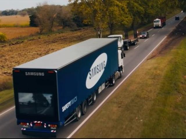 Samsung thử nghiệm công nghệ nhìn xuyên xe tải để tránh tai nạn