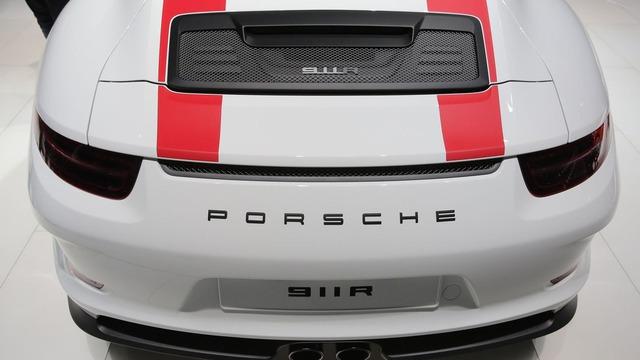 Xe thể thao Porsche 911 R bị làm giá ở nhiều nơi trên thế giới - Ảnh 5.