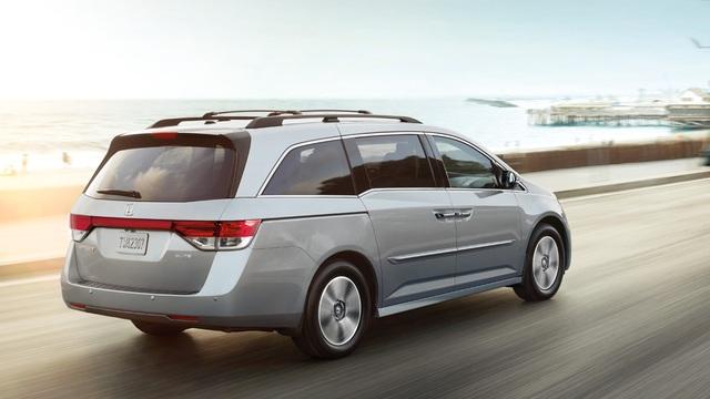 Honda Odyssey 2018 lần đầu tiên xuất đầu lộ diện - Ảnh 2.