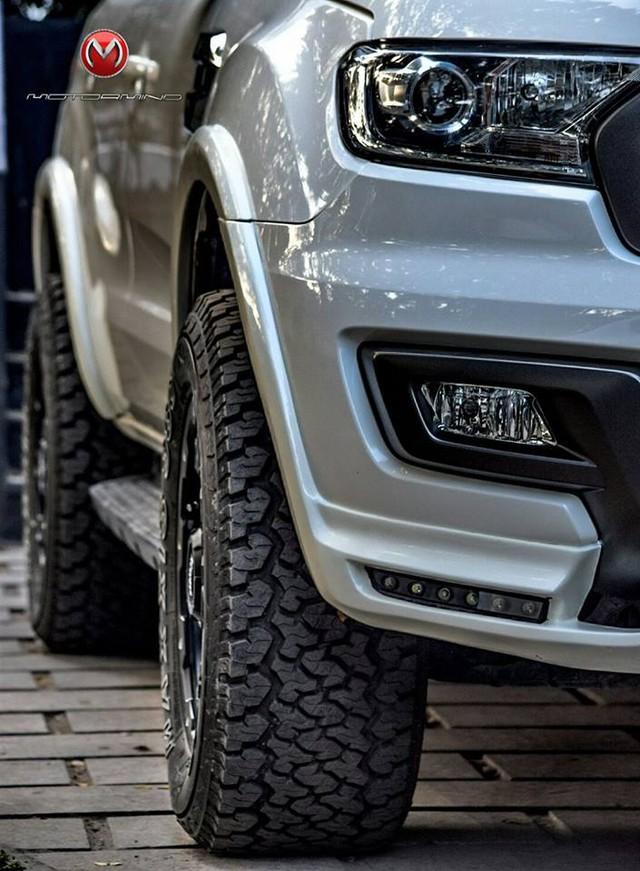 Ford Everest thế hệ mới độ theo phong cách khủng long F150 Raptor - Ảnh 4.