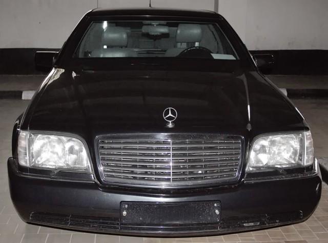 Mercedes-Benz chống đạn cũ của Tổng thống Nga được rao bán với giá chát - Ảnh 2.
