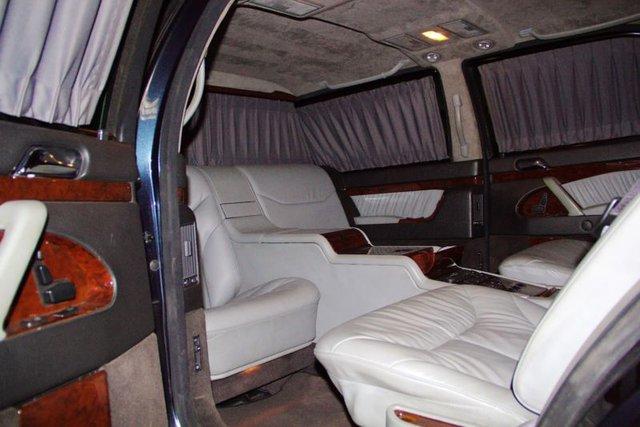 Mercedes-Benz chống đạn cũ của Tổng thống Nga được rao bán với giá chát - Ảnh 5.