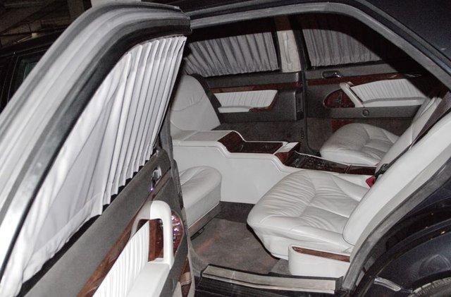 Mercedes-Benz chống đạn cũ của Tổng thống Nga được rao bán với giá chát - Ảnh 6.