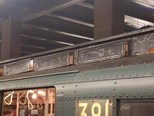 Khám phá đường xe lửa cổ điển rất đặc biệt giữa lòng thành phố New York - Ảnh 10.