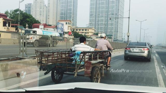 """Cao tốc tại Việt Nam - Bao giờ mới hết văn hoá """"đường làng"""""""