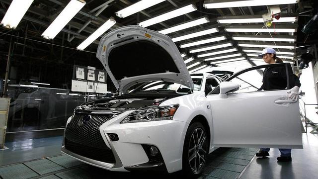 Honda và Toyota phải tạm ngừng sản xuất xe vì động đất tại Nhật Bản