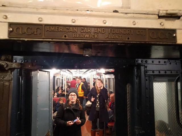 Khám phá đường xe lửa cổ điển rất đặc biệt giữa lòng thành phố New York - Ảnh 23.