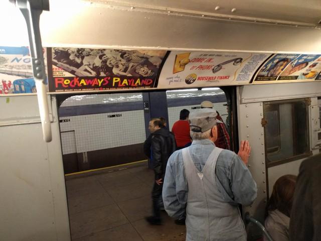 Khám phá đường xe lửa cổ điển rất đặc biệt giữa lòng thành phố New York - Ảnh 26.