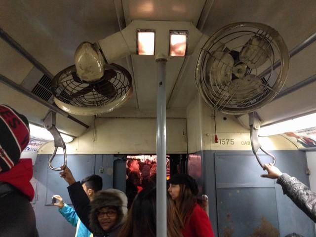 Khám phá đường xe lửa cổ điển rất đặc biệt giữa lòng thành phố New York - Ảnh 38.