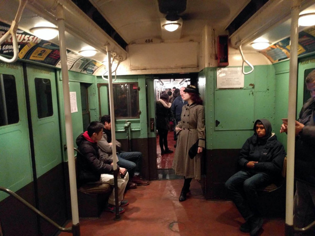 Khám phá đường xe lửa cổ điển rất đặc biệt giữa lòng thành phố New York - Ảnh 47.