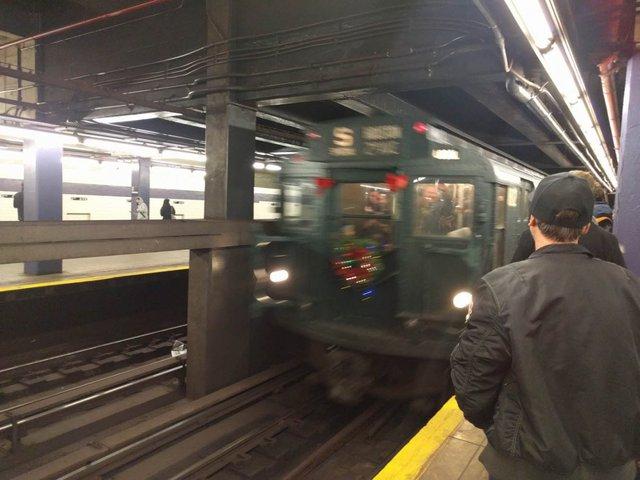 Khám phá đường xe lửa cổ điển rất đặc biệt giữa lòng thành phố New York - Ảnh 5.