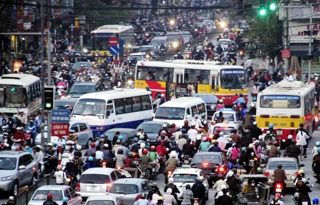 Hà Nội tiếp tục bàn lộ trình hạn chế xe cá nhân