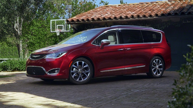 Chrysler Pacifica 2017 – Đối thủ mới của Honda Odyssey và Kia Sedona