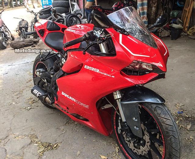 Chiếc Benelli BN302 độ lên dàn áo Ducati 899 Panigale