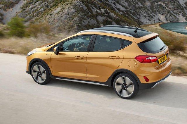 Như đã biết, Ford Fiesta 2017 có 3 tùy chọn động cơ xăng EcoBoost 3 xy-lanh, tăng áp, dung tích 1.0 lít khác nhau. 3 tùy chọn động cơ này tạo ra công suất tối đa lần lượt là 100, 125 và 140 mã lực.